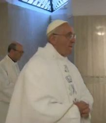 HOMILIAS DEL PAPA FRANCISCO: Las riquezas ahogan las promesas de Dios-Papa Francisco
