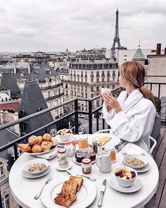 boutique hotel in the heart of amazing Paris! Hote boutique hotel in the heart of amazing Paris! Paris Hotels, Hotel Paris, San Regis Paris, Paris France, Hotel Des Invalides, Brunch, Triomphe, Breakfast In Bed, Breakfast In Paris