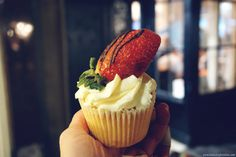 Glutopia is a completely gluten free bakery and cafe in London/Kingston-upon-thames (near Richmond)  #glutenfree #gf #glutopia #cafe #bakery #restaurant #wheatfree #london #kingston #kingstonupthames #food #review #eatingout #cupcake #desserts #sweet