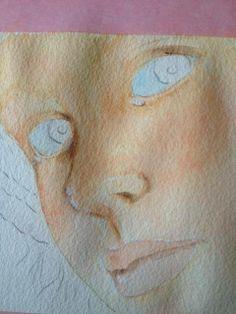 Quando la carta è asciutta, aggiungete una delicata lavatura col coral rose per delineare le guance, mento e occhi. Col titanium white lumeggiate il profilo superiore della bocca, naso e occhi. Con il blue chiffon + titanium white dipingete l'interno dell'occhio (sclera)