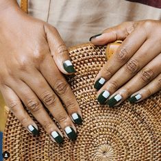 Top Tips, Tricks, And Methods For The Perfect acrylic nails St Patricks Day Nails, Simple Acrylic Nails, Nail Lacquer, Glitter Manicure, Vernis Semi Permanent, Nail Growth, Latest Nail Art, Instagram Nails, Green Nails