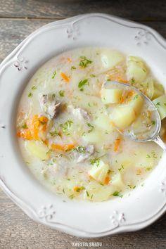 Zupa ogórkowa - Przepis Patato Soup, Poland Food, Garlic Roasted Potatoes, Good Food, Yummy Food, Polish Recipes, Frugal Meals, Menu Restaurant, Finger Foods