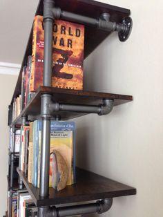 18 Ideas For Bath Room Furniture Steel Shelves Pipe Shelves, Bookcase Shelves, Bookcases, Pipe Furniture, Furniture Making, Furniture Design, Gas Pipe, Gun Rooms, Bath Storage