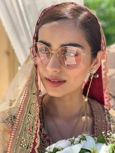 Sabyasachi 2019 Destination Wedding Lehengas, Sarees & Anarkalis - Best Picture For Desti Bollywood Saree, Bollywood Fashion, Sabyasachi Sarees, Bollywood Girls, Lehenga Choli, Lehenga For Girls, Sabyasachi Collection, Wedding Couple Photos, Bridal Photoshoot