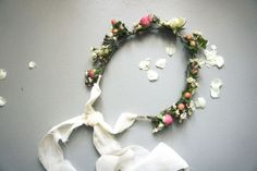 DIY - A wreath of flowers by unbeaujour.fr: For a wedding or a 'Princess'!    DIY