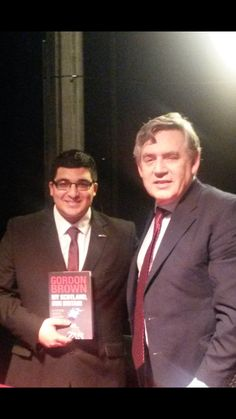 Twitter / Eunis_Jassemi: Gordon Brown signed his new ...