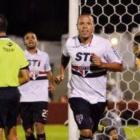 Com os dois gols marcados ontem, Luis Fabiano voltou a sorrir