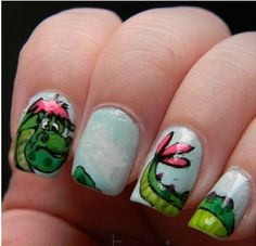 I am literally in love with Pete's dragon o m g these nails are amazing Beautiful Nail Designs, Cool Nail Designs, Diagonal Nails, Nail Desighns, Pete Dragon, French Acrylic Nails, Plain Nails, Disney Nails, Funky Nails