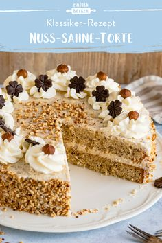 Nut cream cake- Nuss-Sahne-Torte We love this cake! Cake Recipes Without Oven, Cake Recipes From Scratch, Cake Mix Recipes, Dessert Recipes, Bolo Cookies And Cream, Cake Mix Cookies, Cookies Et Biscuits, Coffee Cookies, Sprinkle Cookies