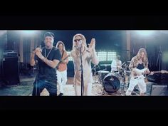 Maná & Nicky Jam - De pies a Cabeza (Video Oficial) - YouTube