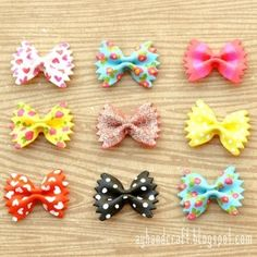 Painted Pasta [Crafts for Kids] great for rainy days with nothing to do! turn them into hair bows. Kids Crafts, Cute Crafts, Crafts To Do, Arts And Crafts, Diy Projects To Try, Craft Projects, Craft Ideas, Diy Niños Manualidades, Pasta Crafts