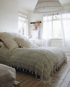 """Evening breeze"" Rosey Bouquet and Cluney Coverlet bedding from shabbychic.com"