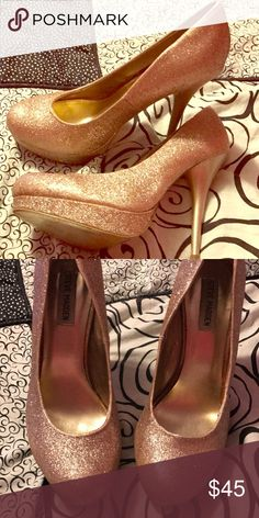 Gold Heels by Steve Madden Gold sparkly heels size 9.5 Steve Madden Steve Madden Shoes Heels