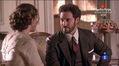Cristóbal le ha cogido gusto a esto de que Blanca le pida ayuda. ¿Por qué será? #SeisHermanas