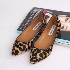 New 2014 Women genuine Leather Pointed Toe Leopard Flat… Online Shop Promotions! New 2014 Women genuine Leather Pointed Toe Leopard Flat Shoes Comfort Anti-skid Slip On Woman Shoes Pretty Shoes, Beautiful Shoes, Cute Shoes, Me Too Shoes, Women's Shoes, Shoe Boots, Flat Shoes, Golf Shoes, Animal Print Flats