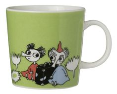 Children and adults alike fall in love with the sympathetic characters of Moomin Valley as created by the author Tove Jansson. The Arabia artist Tove Slotte has designed the delightful Moomin objects in keeping with the original drawings. Moomin Shop, Moomin Mugs, Moomin Valley, Japanese Gifts, Tove Jansson, Green Mugs, Marimekko, Ceramic Mugs, Mug Cup