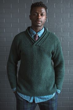 This knitted pullover pattern is suitable for casual office and weekend wear.