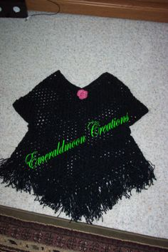 Ideas Crochet Poncho With Sleeves Libraries Crochet Poncho With Sleeves, Crochet Poncho Patterns, Crochet Shawl, Knitting Patterns Free, Irish Crochet, Free Pattern, Crochet Vests, Crochet Edgings, Scarf Patterns