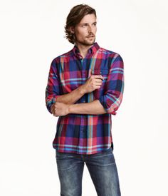 Long-sleeved shirt in cozy cotton flannel. Button-down collar, chest pocket with flap and button, and yoke at back with pleat and hanger loop. Regular fit. | H&M For Men