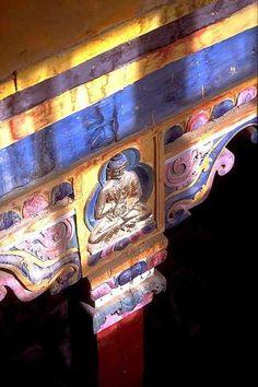 Tibet Guge 06 Tsaparang White Temple 11 12 Jowo Khang Ceiling Buddha Pillar.jpg (682×1024)
