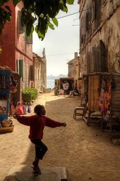 https://flic.kr/p/9LEfLf | dancing | Île de Gorée, UNESCO´s World Cultural Heritage site