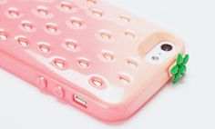 strawberry iphone case too cute! Why no make for Samsung Galaxy s3??! -_-