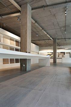 Ried und Sohn   Fliesenfachbetrieb seit 1919 in Frankfurt am Main / Mosa Tiles Showroom