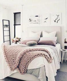 Modern Bedroom Ideas Which Meet Comfort. Beautiful Bedroom Decor Ideas for Girls. Vintage Bedroom Decor, Home Decor Bedroom, Bedroom Furniture, Vintage Teen Bedrooms, Furniture Dolly, Furniture Makeover, Cozy Bedroom, Bedroom Apartment, Master Bedroom