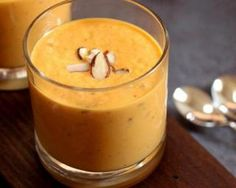 Smoothie carotte, pomme et amande à calories négatives : http://www.fourchette-et-bikini.fr/recettes/recettes-minceur/smoothie-carotte-pomme-et-amande-calories-negatives.html