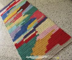 crochet strands at a time-carrying color not used, then picking it back up and carrying next color. Tunisian Crochet, Crochet Stitches, Crochet Patterns, Love Crochet, Knit Crochet, Painting Carpet, Crochet Carpet, Crochet Home Decor, Tapestry Crochet