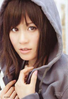 atsuko maeda so cool ^^