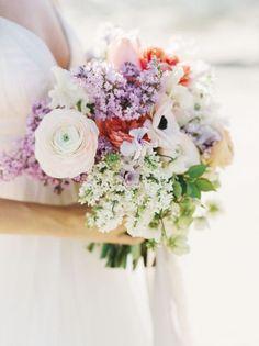 50 ramos de novia 2017 en los que debes inspirarte para tu boda. ¡Da color a tu look con las mejores flores! Image: 36