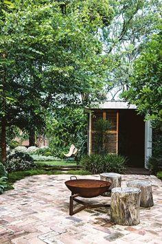 outdoor living: a multi-purpose garden – rustic home exterior Outdoor Fire, Outdoor Areas, Outdoor Rooms, Outdoor Living, Outdoor Stove, Rustic Outdoor, Fireplace Outdoor, Outdoor Lounge, Outdoor Seating
