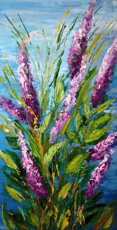 Prachtig deze bloemen! Het lijkt of ze aan de waterkant staan want de achtergrond heeft een mooie wolken lucht en daaronder azuur blauw water. De achtergrond altijd eerst schilderen! Later invullen is altijd minder mooi. Dit is een mooie losse stijl van schilderen! De naam v.d. kunstenaar is mij niet bekend. Wie het wel weet? Graag reactie ...