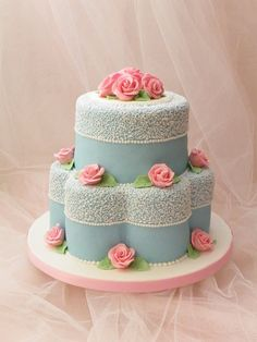 New Birthday Cake Ideas For Mum Beautiful Ideas Beautiful Wedding Cakes, Gorgeous Cakes, Pretty Cakes, Amazing Cakes, Fondant Cakes, Cupcake Cakes, Super Torte, 70th Birthday Cake, Blue Cakes