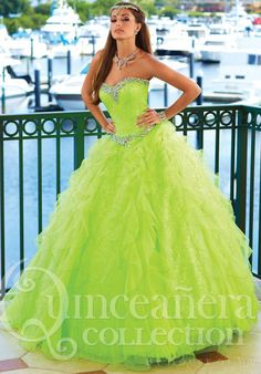MZ0914 Green Ball Gown Strapless Swetheart Rhinestoned Beads Corset Quinceanera Dresses for Young Girls $175.99