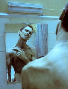 Christian Bale at a dangerouslt thin level for his role in #TheMachinist (2004)
