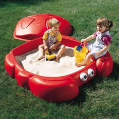 Get a sandbox that is fun and different. This brightly colored crab character sandbox from is perfect for sand and water play activities. It holds up to 300 lbs of sand and comes equipped with Sandbox Sand, Kids Sandbox, Sandbox Diy, Sandbox Ideas, Outdoor Water Games, Outdoor Toys, Outdoor Play, Water Play Activities, Sandbox