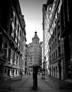 New York Street in downtown Santiago, Chile. Beautiful Places To Travel, World Heritage Sites, South America, Places To See, Around The Worlds, Street View, Pictures, Photos, Travelling