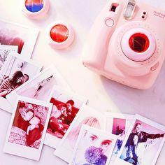 -ʜᴇʏ ʟᴀᴅɪᴇs ғᴏʟʟᴏᴡ ᴛʜᴇ ǫᴜᴇᴇɴ ғᴏʀ - Instax Camera - ideas of Instax Camera. Trending Instax Camera for sales. ᵞᴼᵁᴿ ˢᵀᴼᴿᵞ ᴵˢᴺᵀ ᴼᵛᴱᴿ ᵞᴱᵀ Polaroid Instax, Instax Mini Camera, Fujifilm Instax Mini 8, Instax Mini Ideas, Camara Fujifilm, Instant Film Camera, Photography Camera, White Photography, Photography Tips