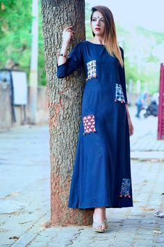 Patch match simple look kurti Salwar Designs, Blouse Designs, Indian Dresses, Indian Outfits, Ikkat Dresses, Kurta Style, Look Short, Indian Ethnic Wear, Indian Designer Wear