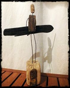 Mutoz inc. Art en bois flotté: décembre 2013 Driftwood Signs, Driftwood Sculpture, Driftwood Art, Wooden Sculptures, Surf Art, Recycled Art, Metal Art, Wood Crafts, Cool Art
