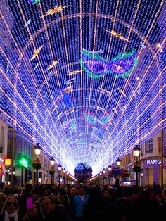 ITAP of the amazing Carnaval lights all over the main shopping street in Málaga Spain [OC] http://ift.tt/2mRX9tY
