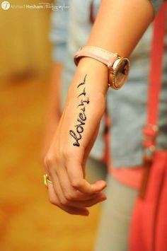 Tattoos - Tattoo i Henna Hand Designs, Mehndi Designs Finger, Henna Tattoo Designs Simple, Latest Henna Designs, Mehndi Designs For Girls, Stylish Mehndi Designs, Mehndi Design Photos, Mehndi Designs For Fingers, Wedding Mehndi Designs