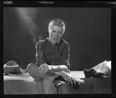 I'm falling, man I'm choking, man I'm fading, man Just killing a little time . {#davidbowie#bowie}