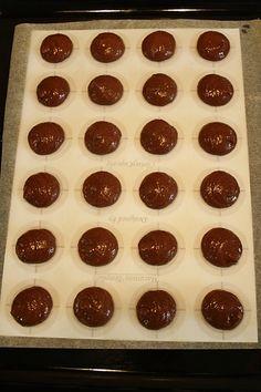 Čokoládové macarons - Meg v kuchyni Macarons, Brownies, Muffin, Cookies, Chocolate, Breakfast, Desserts, Food, Cake Brownies