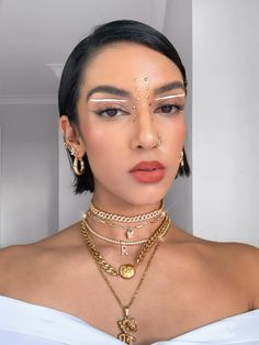 Edgy Makeup, Eye Makeup Art, Eyeshadow Makeup, Makeup Inspo, Makeup Inspiration, Makeup Eyes, Eye-liner Graphique, Rhinestone Makeup, Graphic Eyeliner