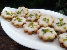 Pistachio and Lemon Biscuits, a fruity treat - DIY Christmas Cookies Christmas Sweets, Christmas Baking, Christmas Cookies, Diy Christmas, No Bake Cookies, No Bake Cake, Other Recipes, Sweet Recipes, Lemon Biscuits