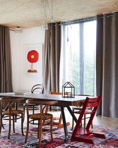 Casa em Monbulk, na Austrália. Projeto de Joost Bakker. #arquitetura #arte #art #artlover #design #architecturelover #instagood #instacool #instadesign #instadaily #projetocompartilhar #shareproject #davidguerra #arquiteturadavidguerra #arquiteturaedesign #instabestu #decor #architect #criative #cor #harmonia #colours #harmony #joostbakker #monbulk