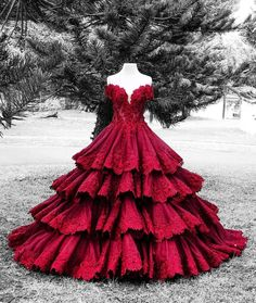 I want this dress so badly!